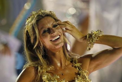 Seksi Yıldız Gisele Bundchen Rio karnavalında