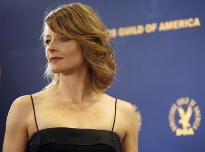 HAYRANI ONUN DİKKATİNİ ÇEKMEK İÇİN ABD BAŞKANI'NA SUİKAST DÜZENLEDİ   Jodie Foster'ın hayranı ise bir çok ünlünün hayranından çok daha fanatikti.