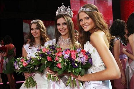 Rusya'da ise bu yıl birincilik tacını Natalia Gantimurova giymeye hak kazandı.