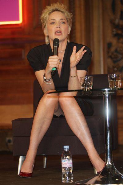 Sharon Stone'den seksi pozlar.. - 63