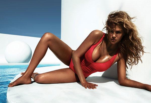 Bikinisi ve yanık teniyle sütlü bir tatlının yanık güzel tarafı gibi duran Kate Upton yürekleri hoplattı