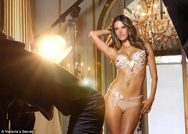Alessandra Ambrosio'dan güzel kareler - 24