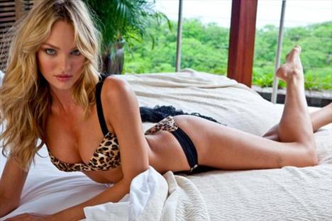 Candice Swanepoel'den seksi kareler.. - 74