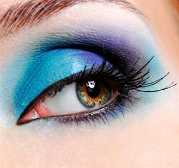 Renkli Bakışlar Rengarenk farları çekinmeden kullanabilirsiniz.