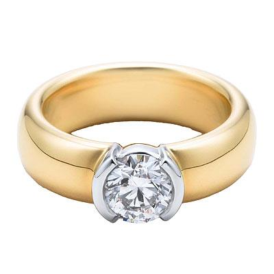 Kadın tek taşlı bir yüzüğü parmağana takan bir erkeği artık evliliğe adım atmak istediğini,kendisine verilen tek taş yüzüğün, bir nikah yüzüğü olduğunu düşünür. Bu yüzden tek taş yüzükler çok ilgi görmektedir. Bu durum pırlanta satıcılarını harekete geçirmiş, tek taş yüzüklerde geniş bir ürün yelpazesi sunmuşlardır.