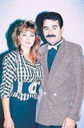 İkili bir çok filmde oynadı. Avşar ve Tatlıses, uzun süre magazin gündeminin ilk sıralarında yer aldı.