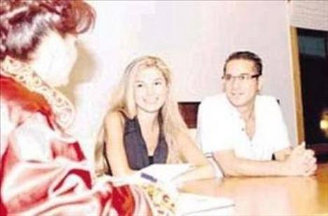 Erbil dördüncü kez nikah masasına oturduğunda bu kez yanında Sedef Altuntaş vardı. Ama bu evlilik de uzun sürmedi.