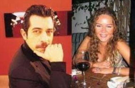 Bayülgen oyuncu Zeyno Gönenç ile üçüncü kez nikah masasına oturdu.