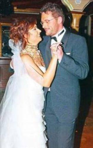 Düğünleri görkemliydi ama evlilikleri uzun sürmedi. Çünkü Kiremitçi bu sırada şaşırtıcı bir karar almıştı.