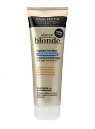 Saç telini onarmaya ve sarı saçların ışığı daha iyi yansıtarak, canlı ve parlak görünmesine yardımcı olan saç kremi.  Sheer Blonde saç kremi: 22 TL, John Frieda