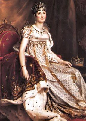 ■ Kolay teslim olmayın:   Josephine, önce bakışları ve davranışlarıyla Napoleon'u kendine çekti; istediği etkiyi yaratınca da, kendini geri çekerek Napoleon'un peşinden gelmesini sağladı. Siz de kontrolü ona vermeyin, ilgisini yitireceğinden korkarak ipleri ona kaptırmayın.