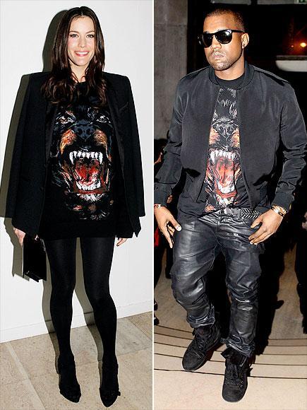 Liv mi, Kanye mi?  Görünen o ki Liv Tyler ve Kanye West'in zevkleri aynı. İkisi de Givenchy'nin erkek koleksiyonundan olan bu tişörtü çok beğenmişler.