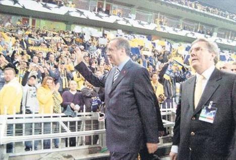 Recep Tayyip Erdoğan  Tuttuğu Takım : Fenerbahçe Burcu : Balık