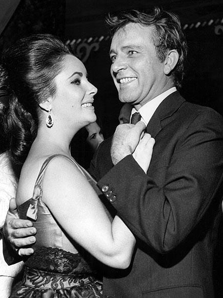 RICHARD BURTON 15 Mart 1964 - 26 Haziran 1974 Cleopatra filminin setinde tanışan çift, 10 yıl boyunca evli kaldı.