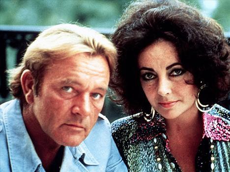 RICHARD BURTON 10 Ocak 1975 - 29 Temmuz 1976 Evlilikleri ilk kez yürümemesine rağmen, Maria adında bir kız çocuğu evlat edinen çift, ilişkilerine ikinci bir şans vermeye karar verdi.  Fakat bu deneme de uzun sürmedi.