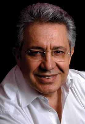 3 Kasım 2002 seçimlerinde ise Livaneli bu kez milletvekili adayı olarak seçmenin karşısına çıktı.   İstanbul'dan vekillik rozetini takan Livaneli, CHP'nin liderliği için de nabız tutmasına karşın umduğunu bulamadı. Livaneli, son dönemde siyasetin dışında kaldı.