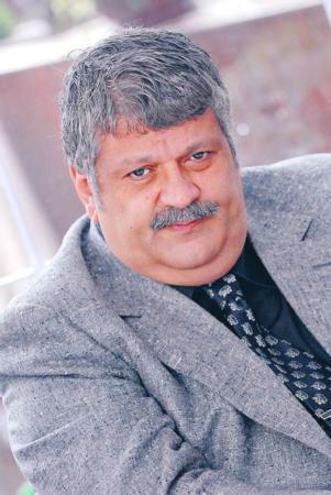 Osman Yağmurdereli   Müzisyen ve yapımcı Osman Yağmurdereli AK Parti'den 2007'de Meclise girdi.