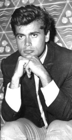 Tamer Yiğit  Yeşilçam'ın ünlü aktörlerinden Yiğit, 22 Temmuz 2007 seçimlerinde AK Parti'den aday oldu.