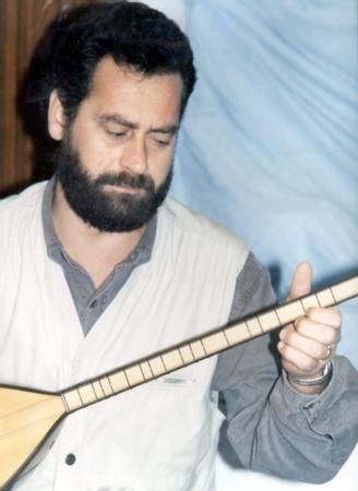 Tolga Çandar  Müzisyen Tolga Çandar da siyasete soyundu.