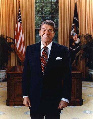 İki kez Başkan olan Reagar yasalar gereği üçüncü kez seçilemedi. Ama ABD'nin unutulmaz başkanlarından biri olarak tarihe geçti.