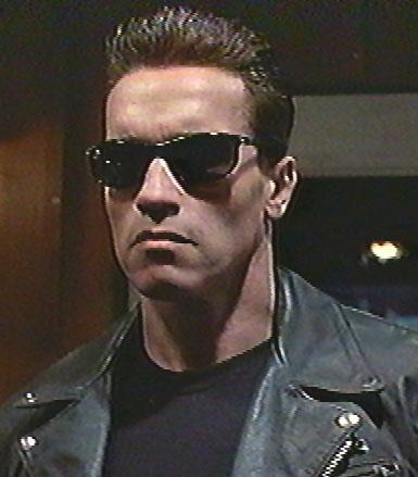 Arnold Schwarzenegger   Conan ve Terminator gibi filmlerle Hollywood tarihine damga vuran Schwarzenegger, daha sonra siyasete atıldı.