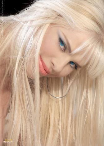 Ciciolina (Ilona Staller)  Dünyada eşine az rastlanır siyasetçilerden biri...