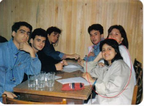 AYÇA TEKİNDOR  Bu fotoğraf Ayça Tekindor'un üniversite yıllarına ait.