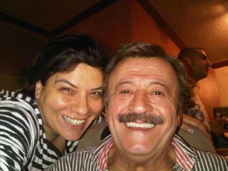 Işın Karaca, yakın dostu Selami Şahin ile çekildiği fotoğrafa da albümünde yer vermiş.