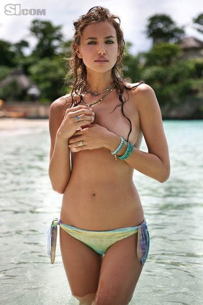Irina Shayk çırılçıplak - 248