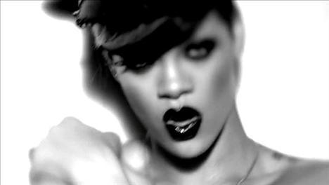 Rihanna'dan çılgın fotoğraflar.. - 14