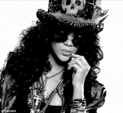 Rihanna'dan çılgın fotoğraflar.. - 19