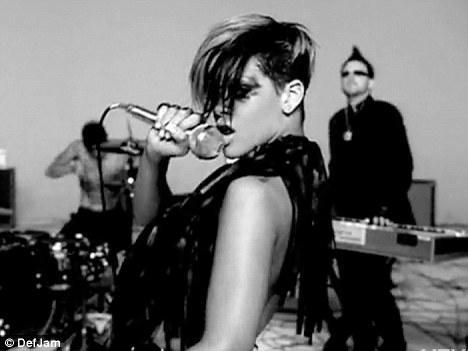 Rihanna'dan çılgın fotoğraflar.. - 28