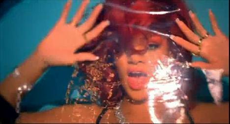 Rihanna'dan çılgın fotoğraflar.. - 2