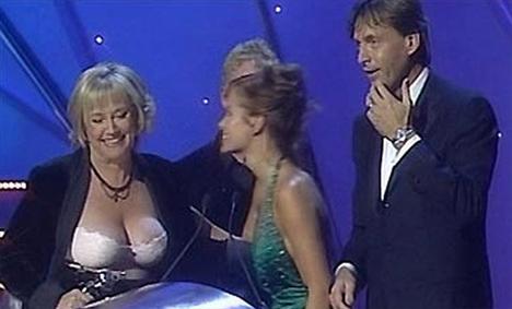 İlk sırada İngiltere'nin en ünlü TV proğramı sunuculurından Judy Finnigan yer aldı.