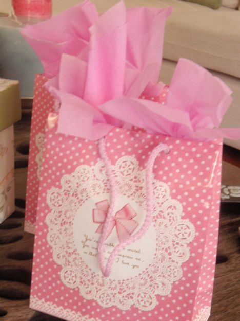 Babyshower oyunları için hazırlanan hediyeler