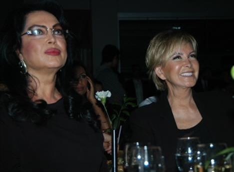 Filiz Akın ve Türkan Şoray Yeşilçam'ın iki ünlü yıldızı.