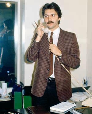 SÜHA KUTLU   Bir dönem işletmecilik yapan, sanat ve sosyete dünyasının yakından tanıdığı bir isim olan manken Cavidan Akyol'un eşi Süha Kutlu, bir otel odasında iki kadınla birlikte yaptığı kokain aleminin sonunda hayatını kaybetti (1996).
