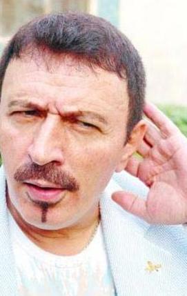 """Mustafa Topaloğlu  Uzaylı Türkücü katıldığı Makina'da lafı uzatan ve konuyu başka yöne çeken şarkıcı Tayfun'a yönelik """"Ben ne anlatıyorum, bu ne anlatıyor… Muhabbetin ağzına s…tı"""" demişti…"""