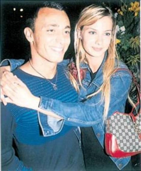 Mustafa Sandal ile olan birlikteliği medyanın ilgi odağıydı.