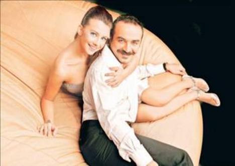 Ünsal'ın adı bir dönem Yılmaz Erdoğan ile aşk dedikodularına karıştı.