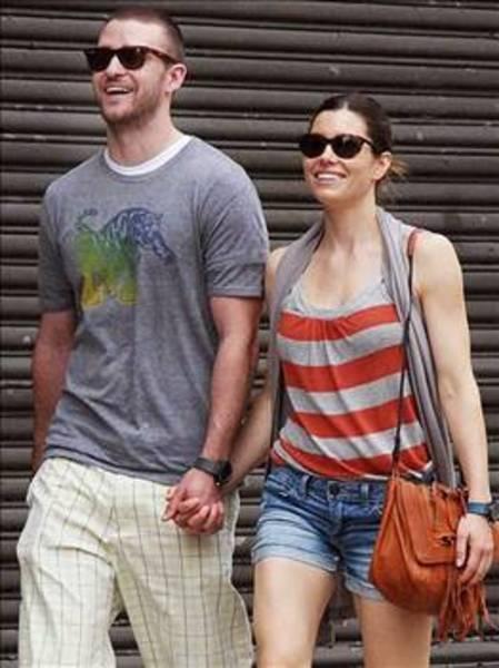 Ama o ilişki de uzun sürmedi. Timberlake Jessica Biel ile birlikte.