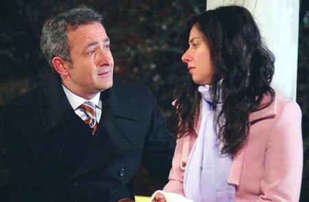 Ancak iki karakter mutlu sona ulaşamadı. Esma(Ahu Türkpençe), Demir(Ozan Güven)'den ayrılarak abisi Selim(Mehmet Aslantuğ) ile aşk yaşadı.