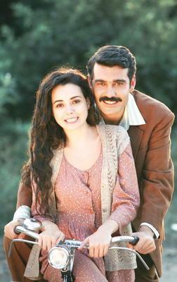 HANIMIN ÇİFTLİĞİ (Güllü - Kemal)  Orhan Kemal'in aynı adlı eserinden uzarlanan Hanımın Çiftliği geçtiğimiz yıl Kanal D'de ekranlara gelmeye başladı.