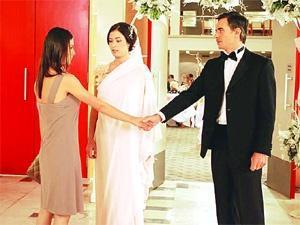 'Unutulmaz' dizisinin âşıkları tam 24 bölüm boyunca ayrı kaldı.