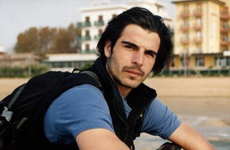 MEHMET AKİF ALAKURT  23 TEmmuz 1979'da İstanbul'da doğdu.