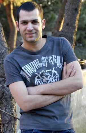 MURAT YILDIRIM  13 Nisan 1979'da Konya'da doğdu.