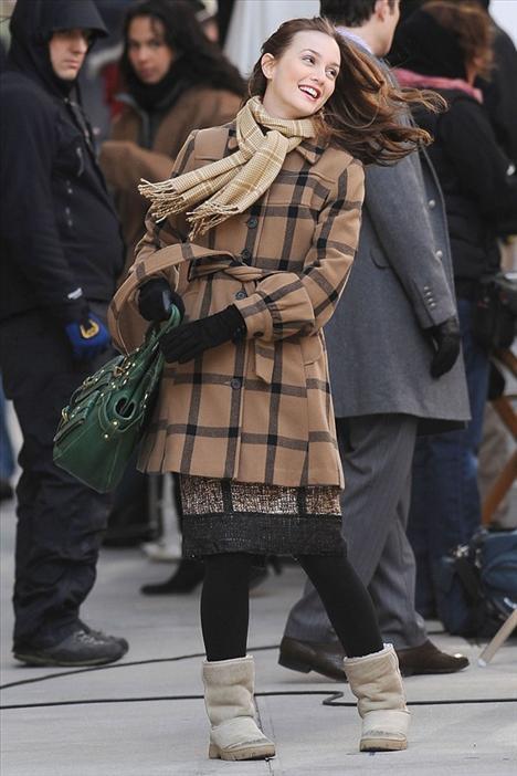 Leighton Meester'in ayakları Newyork soğuklarına dayanamamış olacak ki, güzel yıldız stilettolarını UGGlarla değiştirmiş.