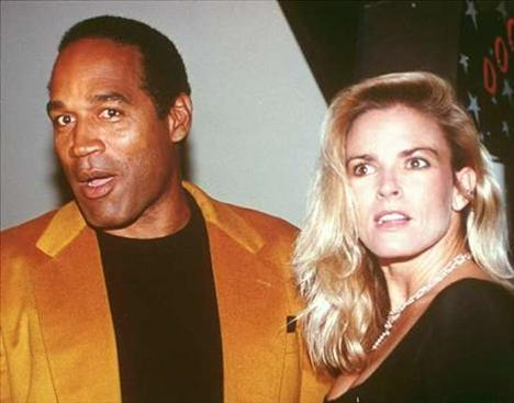 O.J. SIMPSON/ NICOLE BROWN  1995'te karısı Brown ve sevgilisini öldürmekle suçlanan ve yargılanan Simpson hakkında karısına yönelik 62 ayrı sözlü ve fiziksel şiddet kaydı vardı.