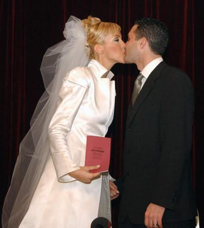 Böyle olur manken düğünü - 9