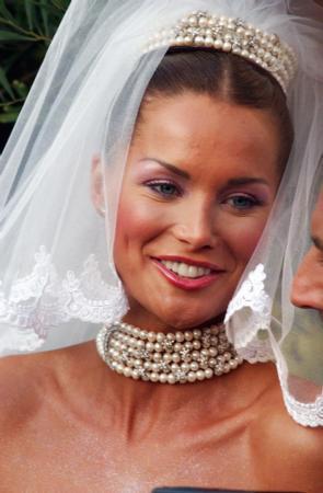 Çift düğün sonrası balayını geçirmek üzere Maldiv adalarına gitti.